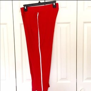 ❤️Athletic Red Capri Workout Pants - Medium
